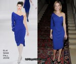 Runway To Etam Fashion Show - Hilary Swank In Elie Saab