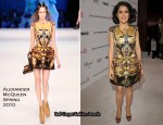 Runway To Elton John AIDS Foundation Oscar Party - Salma Hayek In Alexander McQueen