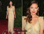 Runway To 2010 Vanity Fair Oscar Party - Olivia Wilde & Anna Paquin In RM by Roland Mouret