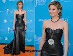 2010 Academy of Country Music Awards Red Carpet – Jennifer Nettles