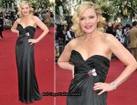 """Sex And The City 2″ London Premiere - Kim Cattrall In Vintage Thierry Mugler"