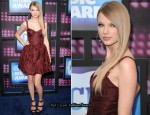 2010 CMT Music Awards - Taylor Swift In John Galliano