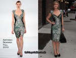 The Late Show with David Letterman - Kyra Sedgwick In Antonio Berardi