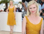 "Kirsten Dunst In Chloe - 2011 Cannes Film Festival ""Melancholia"" Photocall"