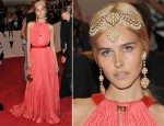 Isabel Lucas In Louis Vuitton - 2011 Met Gala