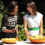 Michelle Obama In Tracy Reese & Samantha Cameron In Jonathan Saunders - Downing Street Barbecue