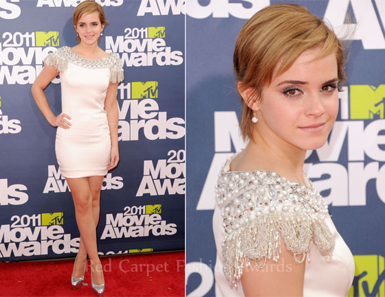 emma watson red carpet hair. Emma Watson continued the mini