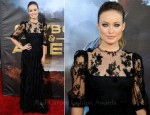 "Olivia Wilde In Dolce & Gabbana - ""Cowboys & Aliens"" World Premiere"