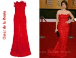 In Tina Fey's Closet - Oscar de la Renta Embroidered Floral Lace Strapless Gown