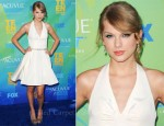 Taylor Swift in Rafael Cennamo - 2011 Teen Choice Awards