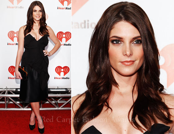 Fashion Police - Page 4 Ashley-Greene-In-Vivienne-Westwood-iHeartRadio-Music-Festival