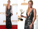 Julie Bowen In Oscar de la Renta - 2011 Emmy Awards