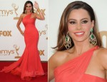 Sofia Vergara In Vera Wang - 2011 Emmy Awards