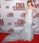 Taylor Swift In J. Mendel - 2011 CMA Awards