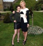 Kristen Stewart In Louis Vuitton & Charlize Theron In Roland Mouret - 'Snow White and the Huntsman' Photocall