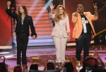 Jennifer Lopez In Paule Ka - 'American Idol' Top 3 Live Performance Show
