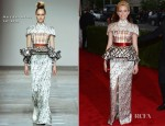 Elizabeth Banks In Mary Katrantzou - 2012 Met Gala
