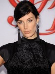 Jessica Pare's Makeup-No Makeup CFDA Fashion Awards Look