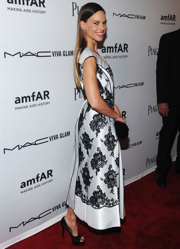Hilary Swank in Marc Jacobs