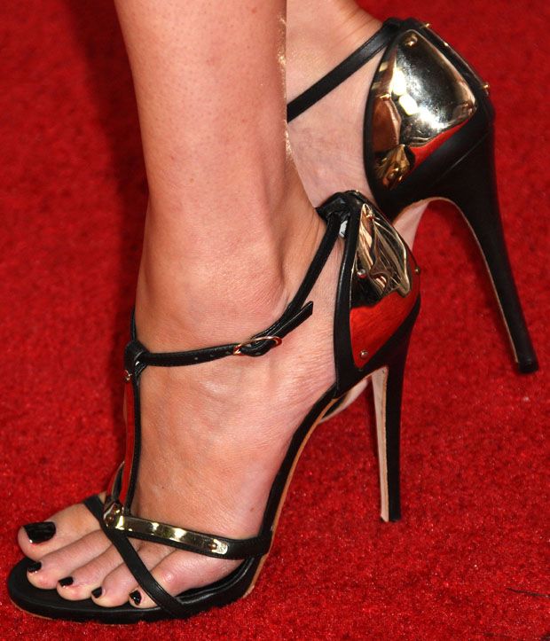 Elizabeth Banks' Giuseppe Zanotti sandals