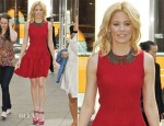 Elizabeth Banks In Alexander McQueen - Fox News Studios