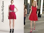 Elizabeth Banks' Alexander McQueen Plisse Dress And Dannijo Stella Bow Collar