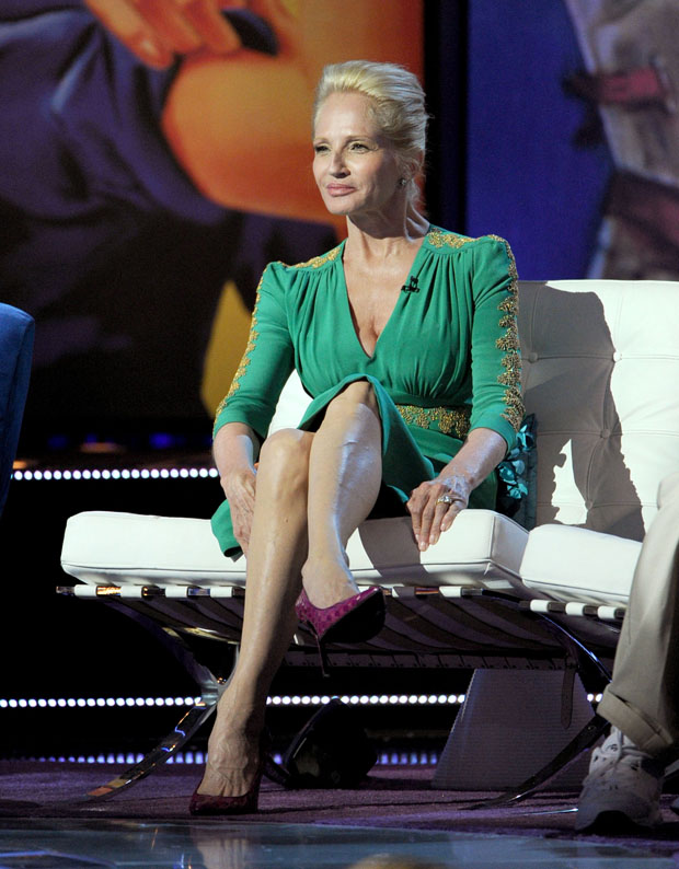 Ellen Barkin Comedy Central Roast Of Roseanne Barr Red
