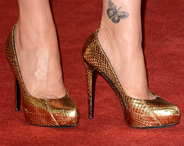 Carla Gugino's shoes