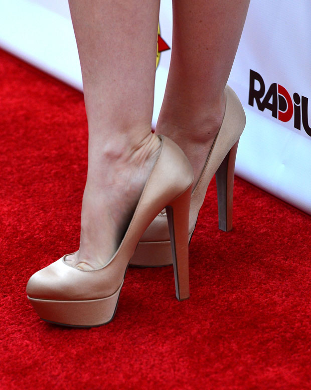 Isla Fisher's Sergio Rossi 'Milday' pumps