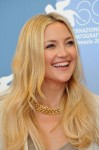 Kate Hudson in Gucci with a Bulgari yellow gold and diamond necklace from the Heritage collection