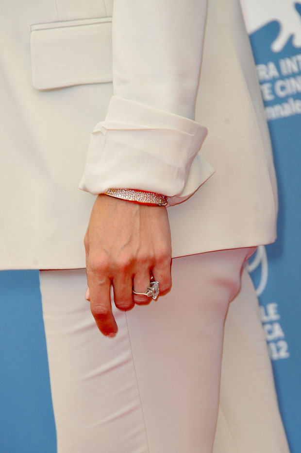 Kate Hudson's Bulgari pink gold and diamond pave bracelet from the B.zero1 Collection