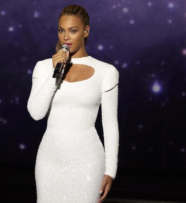 Beyonce Knowles in Marc Bouwer