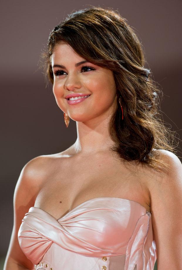Selena Gomez in Atelier Versace