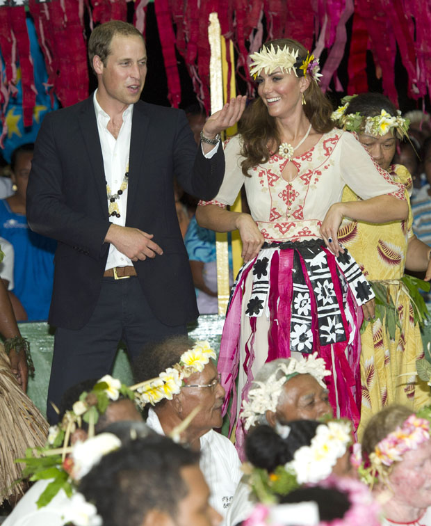 Catherine, Duchess of Cambridge in Alice by Temperley – Tuvalu