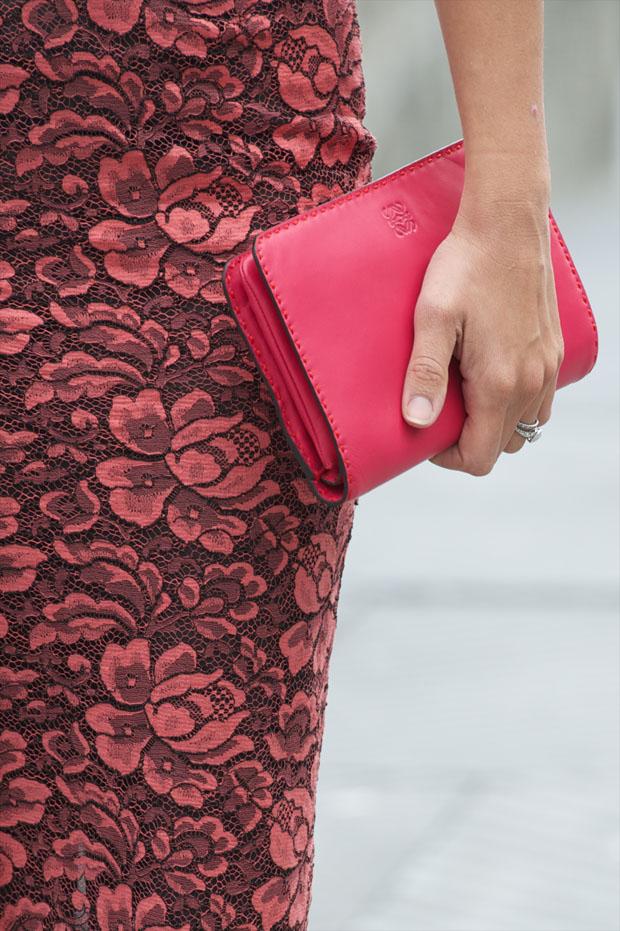 Penelope Cruz' Loewe clutch