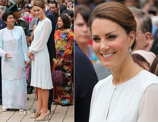Catherine, Duchess of Cambridge In Beulah - Assyakirin Mosque Visit