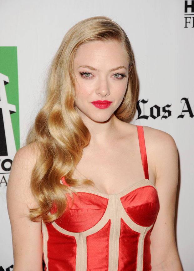 Amanda Seyfried in Prabal Gurung