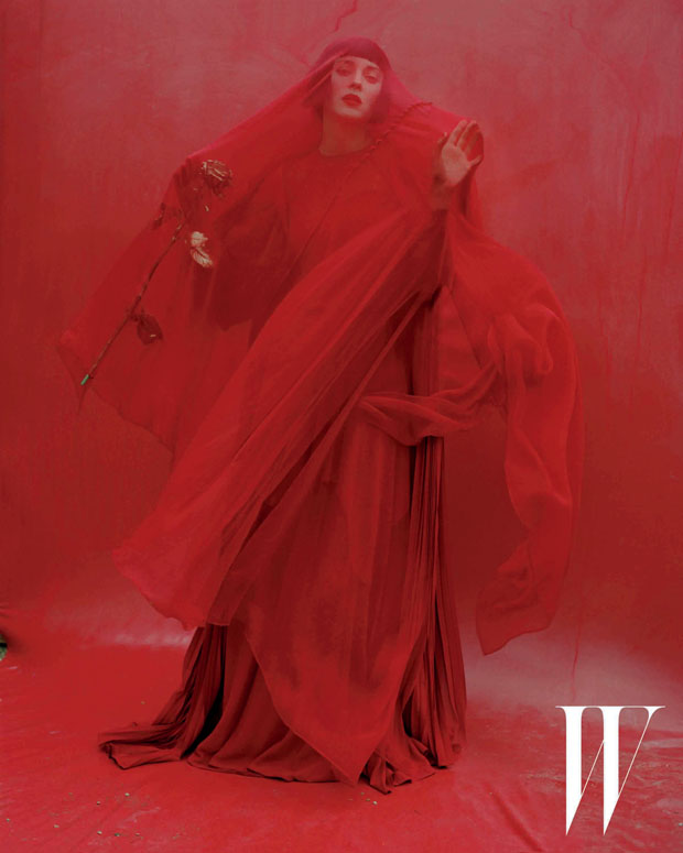 Valentino Haute Couture silk chiffon and crepe de chine dress and cape. Atsuko Kudo glove.