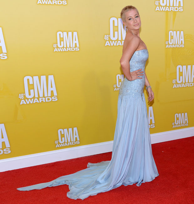 Kellie Pickler in Pamella Roland