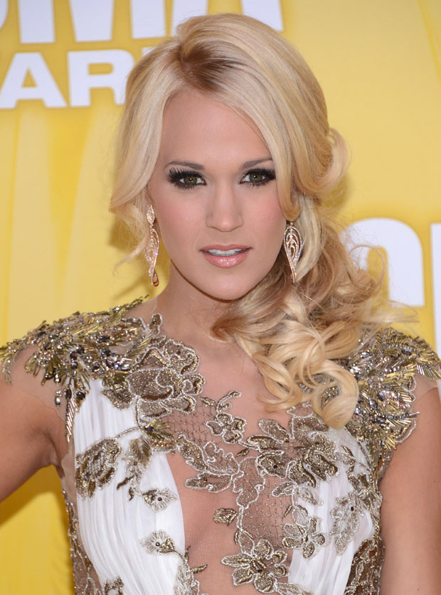 Carrie Underwood in Reem Acra