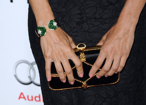 Eva Mendes' Sergio Rossi clutch