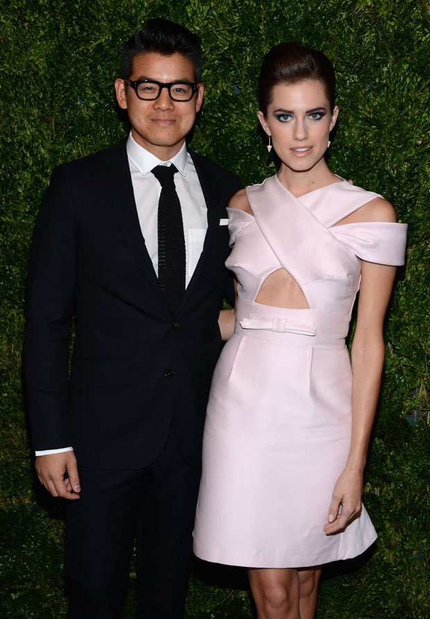Allison Williams in Peter Som