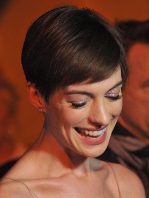 Anne Hathaway in Nina Ricci
