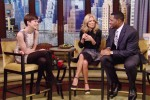 Anne Hathaway In Gucci - Live with Kelly & Michael