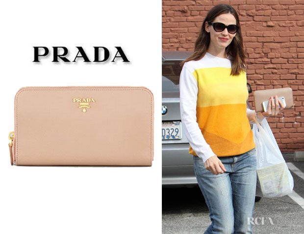 Jennifer Garner's Prada Zip-Top Wallet