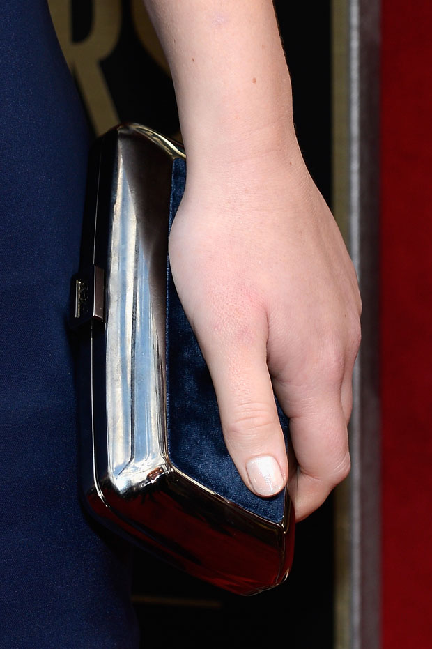 Jennifer Lawrence 's clutch