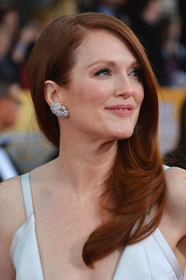 Julianne Moore's Van Cleef & Arpels earrings