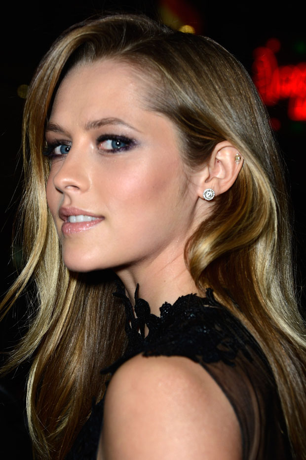 Teresa Palmer in Philip Armstrong
