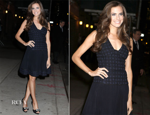 Allison Williams In Oscar de la Renta - Late Show With David Letterman