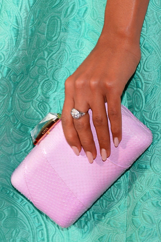 Kerry Washington's Kotur clutch and Neil Lane ring